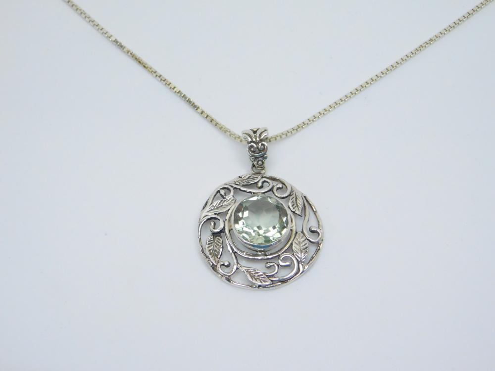 Sterling Silver Green Faceted Stone Leaf Pendant Necklace 10.7G