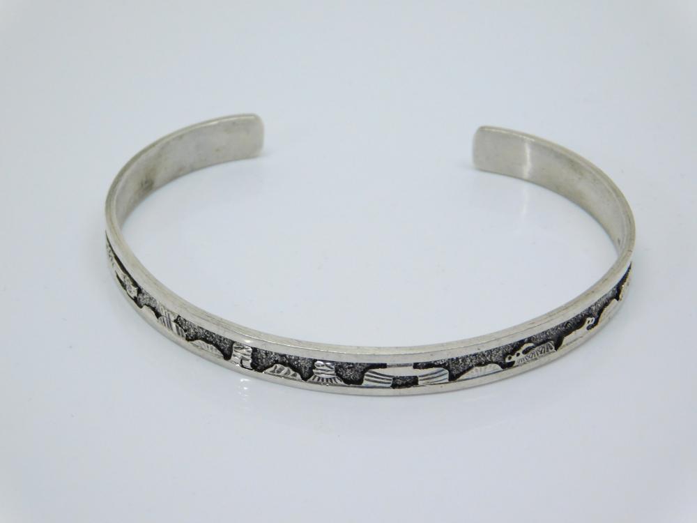 Vintage Native American Navajo Mae Bia Sterling Silver Storyteller Cuff Bracelet 11G