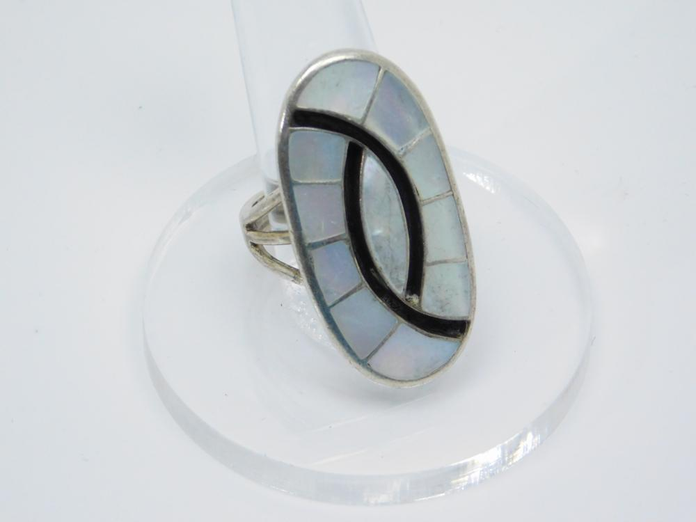 Vintage Native American Zuni Sterling Silver Mop Inlaid Mens Ring 12G Sz10.5