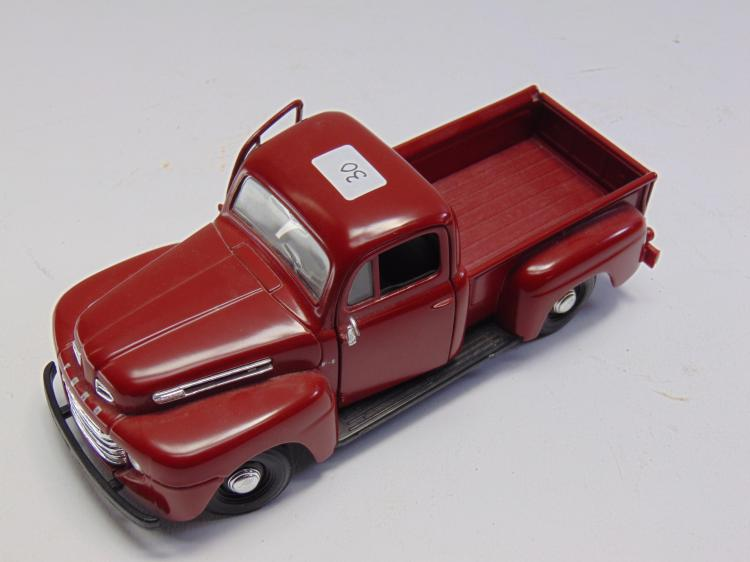 1/25 Scale Maisto 1948 Ford F1 Diecast Model Pickup Truck