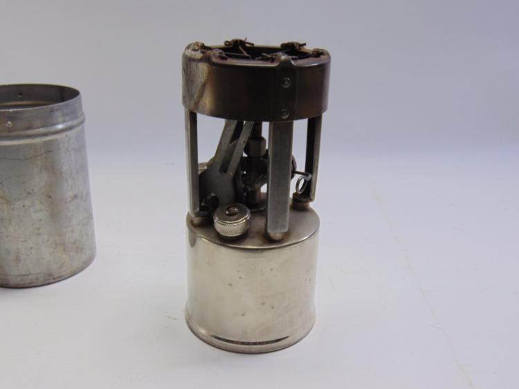 Lot 38: Vintage Coleman No 530 B46 Military Pocket Stove