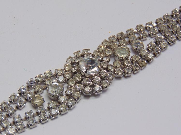 "Lot 57: Vintage Rhinestone Costume Jewelry 7.5"" Bracelet"