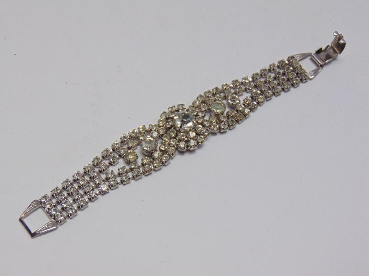 "Vintage Rhinestone Costume Jewelry 7.5"" Bracelet"