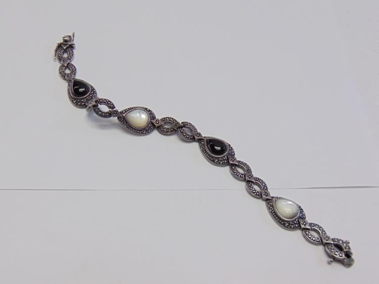"19 Gram Sterling Silver 7.5"" Onyx and Mother of Pearl Bracelet"