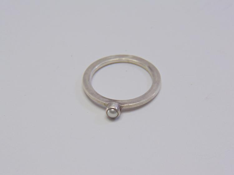 Sterling Silver Pearl Solitaire Ring Sz 7.5