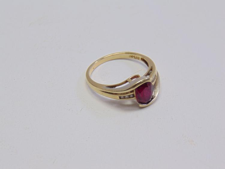3 Gram 14K Yellow Gold Diamond and Ruby Ring Sz 8