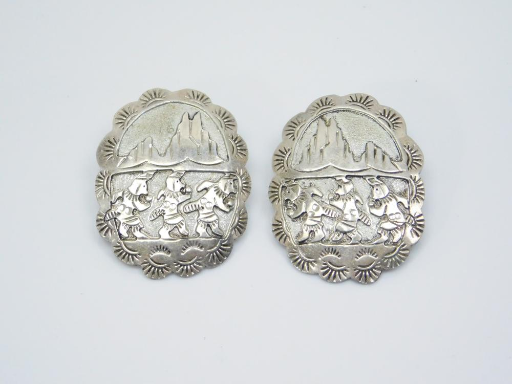 Vintage Native American Sterling Silver Concho Ceremonial Dance Storyteller Earrings 10G