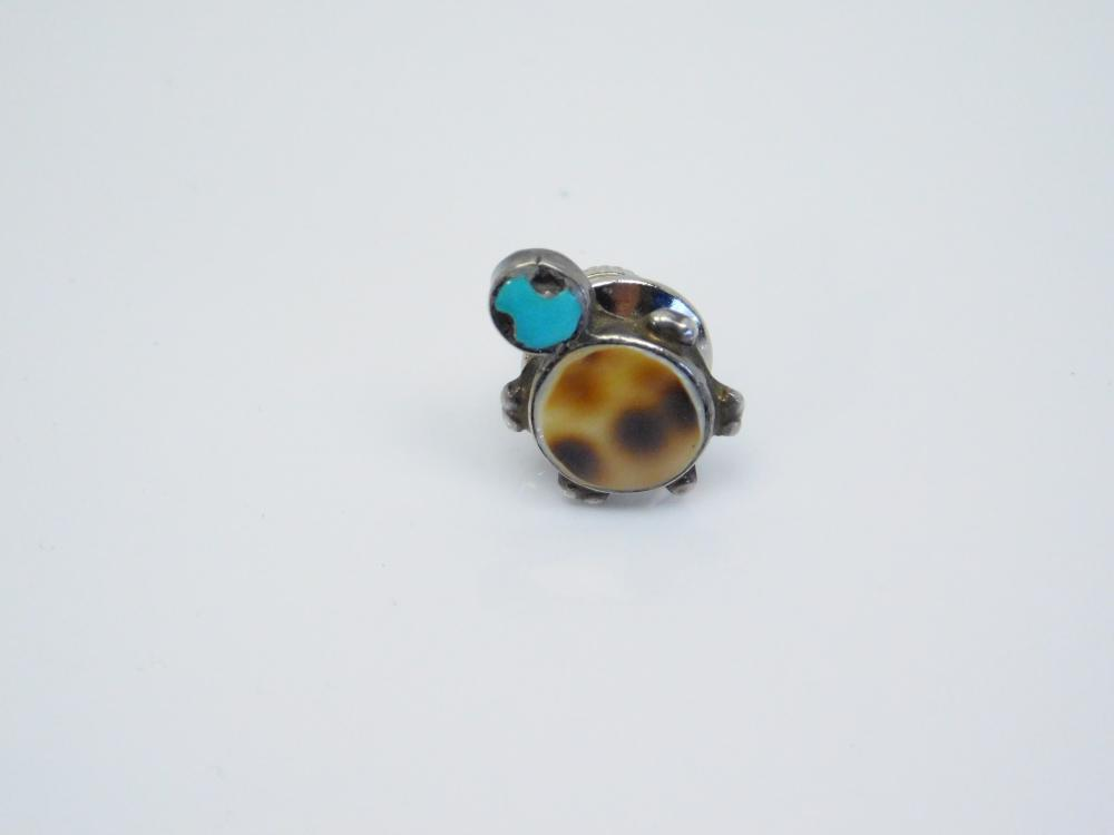 Vintage  Native American Sterling Silver Turquoise Cowrie Shell Inlaid Turtle Tie Tac Pin 1.2G