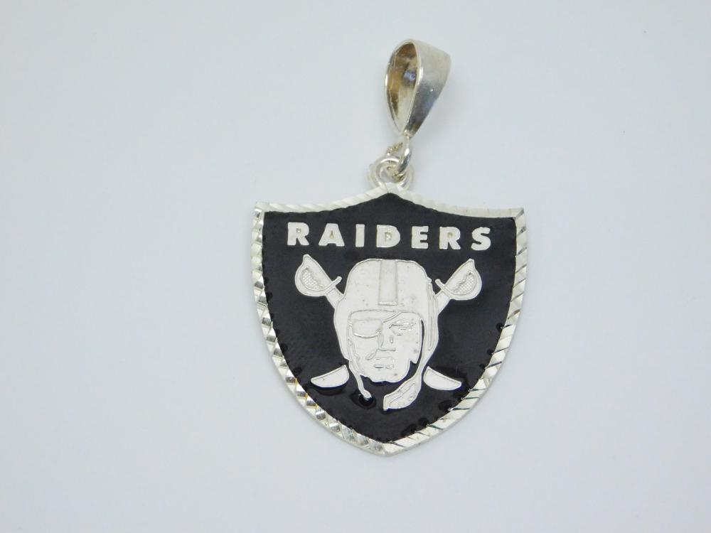 Sterling  Silver Black Enamel Inlaid Los Angeles Raiders Football Emblem Pendant 18G