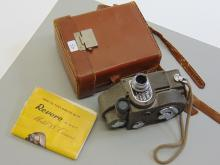 Lot 43: Vintage Revere Eight Model 88 Movie Camera with Case and Insturctions