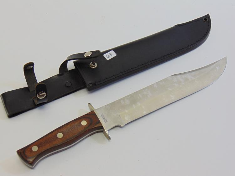 Lot 63: Parker Cutlery Co Large Statue of Liberty Etched Fixed Blade Hunting Knife & Leather Sheath