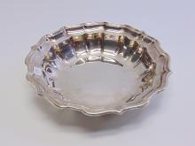 Lot 118: Frank Smith Chippendale Sterling Silver 395 Gram Bowl