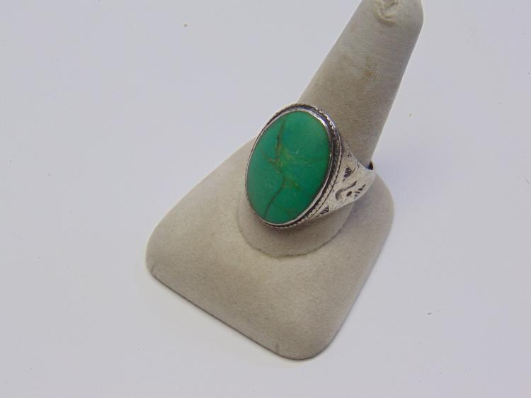 Lot 177: 18.5 Gram Navajo Sterling Silver and Turquoise Ring Sz 11