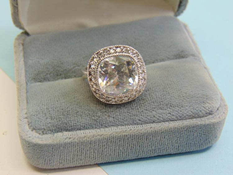 Modern New 7g Sterling Silver CZ Ladies Ring Size 7