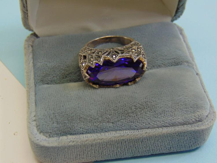 10.5g Sterling Purple CZ Marcasite Ring Size 5
