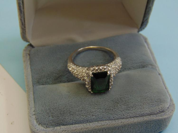 Modern 6g Sterling Green CZ Ladies Ring Size 10