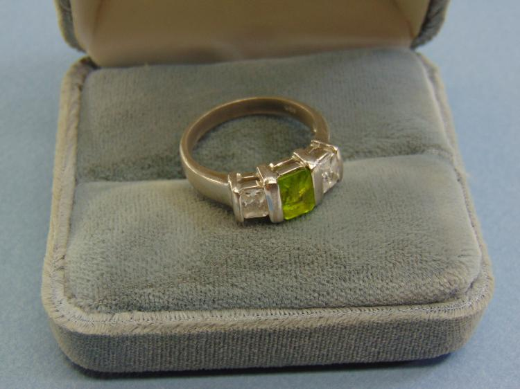 5g Sterling Silver CZ Peridot Ring Size 9