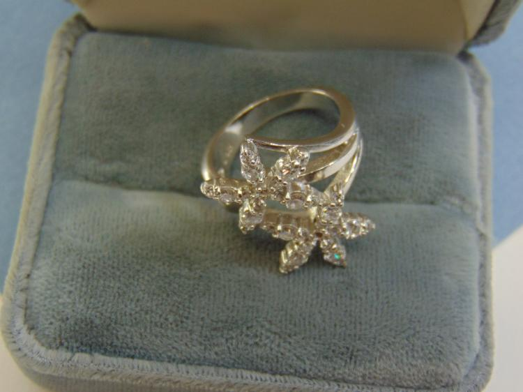 Modern 6.3g Sterling Silver CZ Flower Ring Size 7
