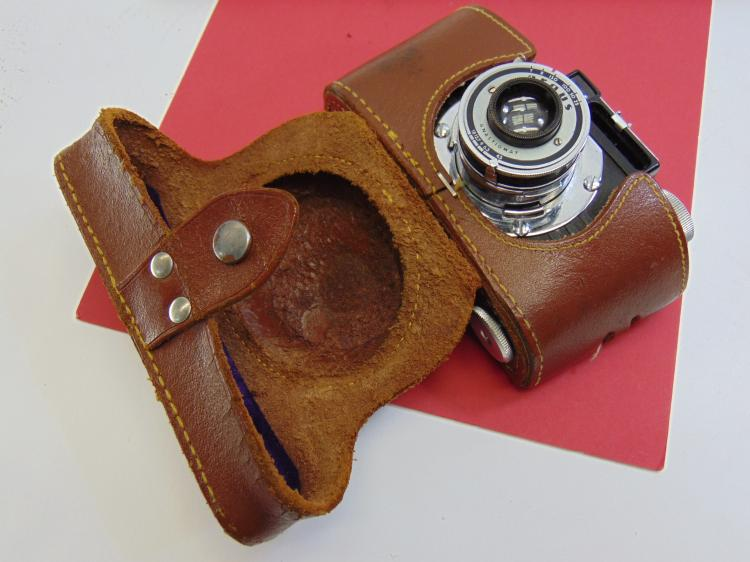 Vintage Argus 35mm Camera W/ Case