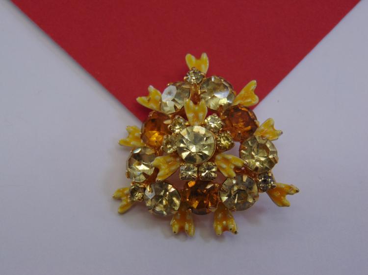 Vintage Rhinestone Costume Jewelry Ladies Brooch