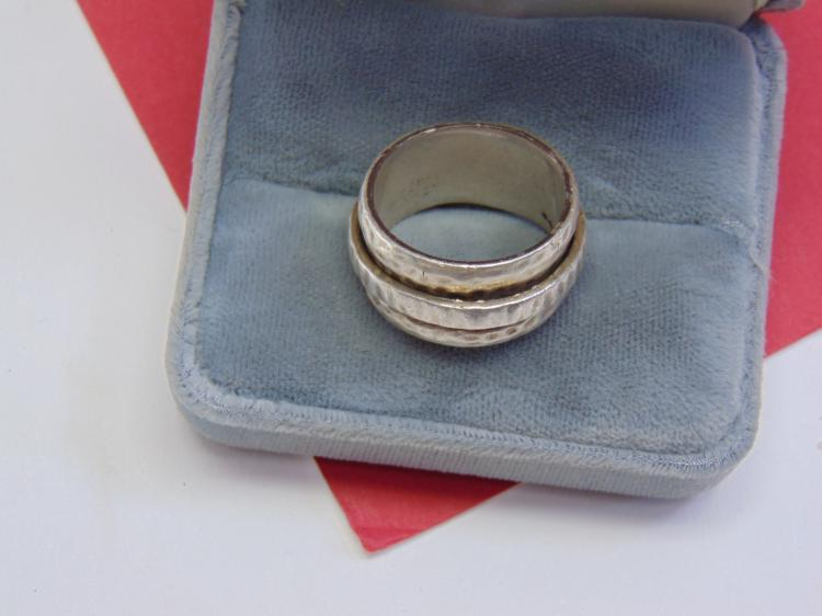 13.3g Sterling Silver Spinner Ring Size 9.5