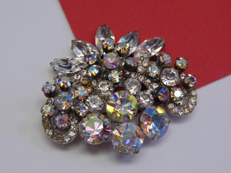 Vintage Rhinestone Costume Jewelry Ladies Brooch