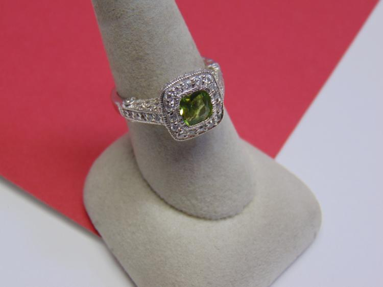 Modern 5.4g Sterling Green CZ Ring Size 8