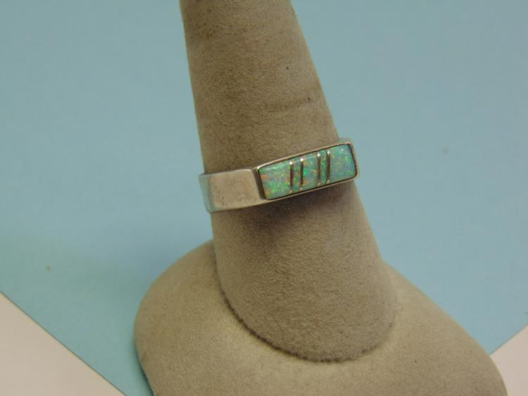 Vintage Sterling Opal Inlaid Ring Size 9