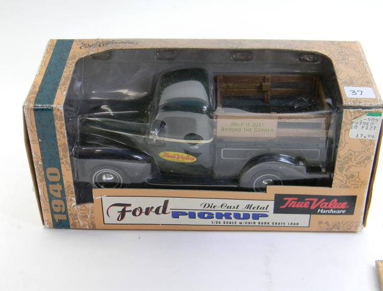 "1/25 ERTL ""True Value"" Ford Pickup Coin Bank"