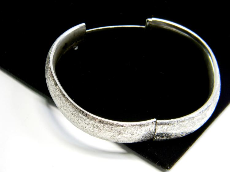 Vintage 24g Sterling Etched Hinged Bracelet