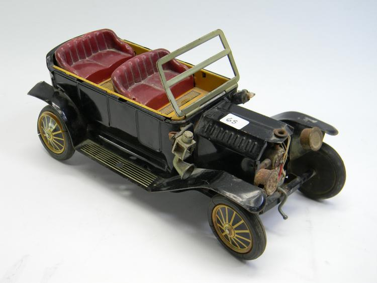 Vintage Japan Model T? Battery Operated Tin Toy Car