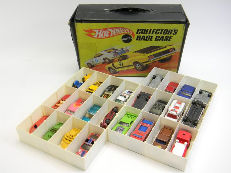 Mattel Hot Wheels Toy Cars W/ Collectors Race Case