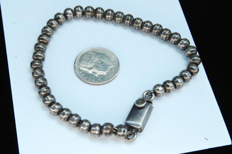 Lot 9: Vintage 15g Sterling Taxco Mexico Bead On Chain Bracelet