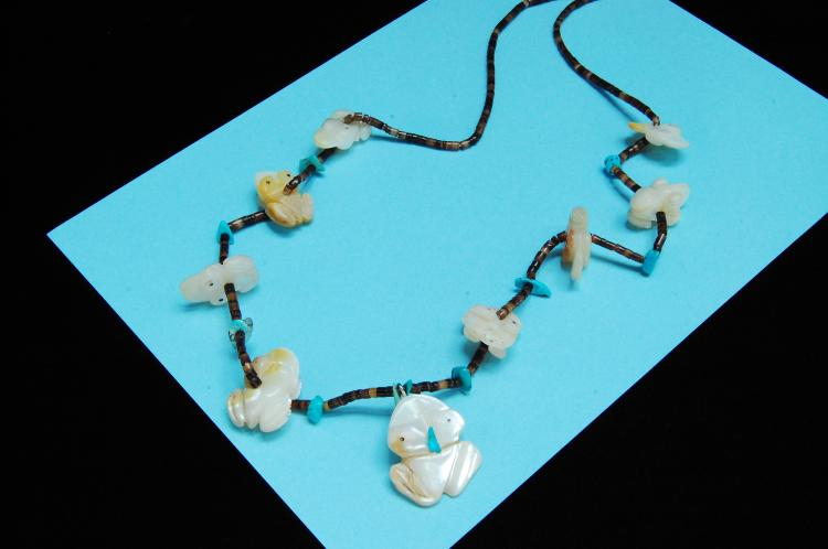 Sterling Zuni Carved MOP Frog Fetish Bead Necklace