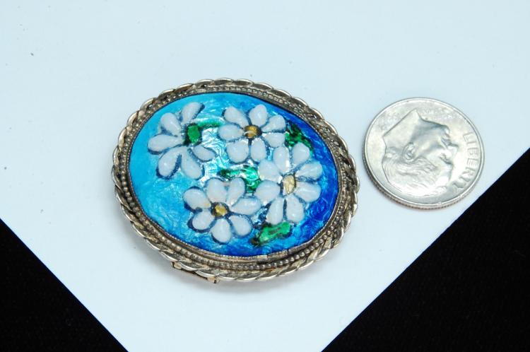 Lot 22: Vintage 7.7g Sterling Silver Enamel Flower Brooch