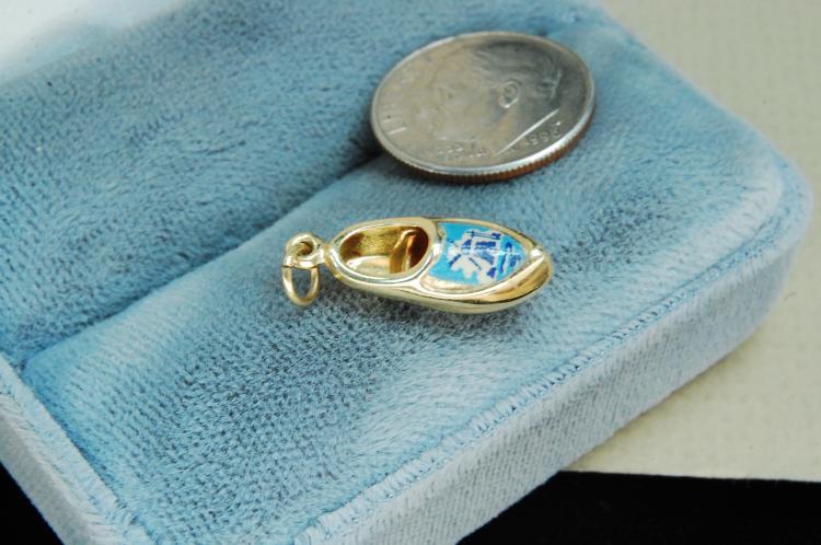 Lot 60: Vintage 14K Gold Holland Shoe Charm