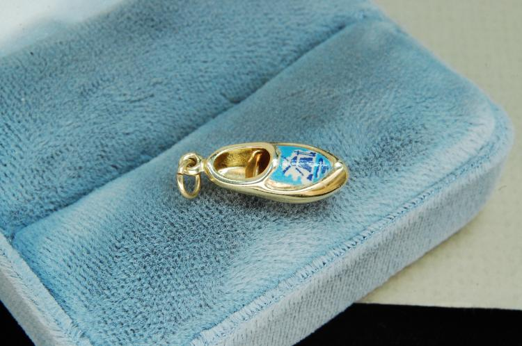 Vintage 14K Gold Holland Shoe Charm