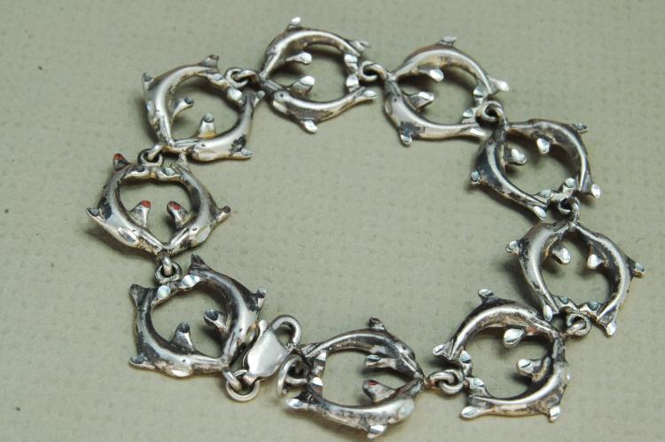 Vintage 12.6g Sterling Kissing Dolphin Bracelet