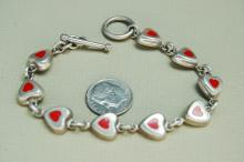 Lot 81: Vintage 16g Sterling Silver Inlaid Heart Bracelet