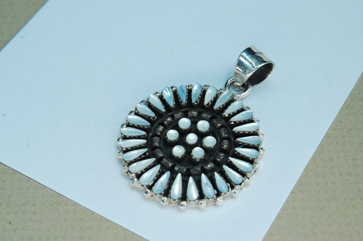 10g Sterling MOP Petit Point Zuni Pendant