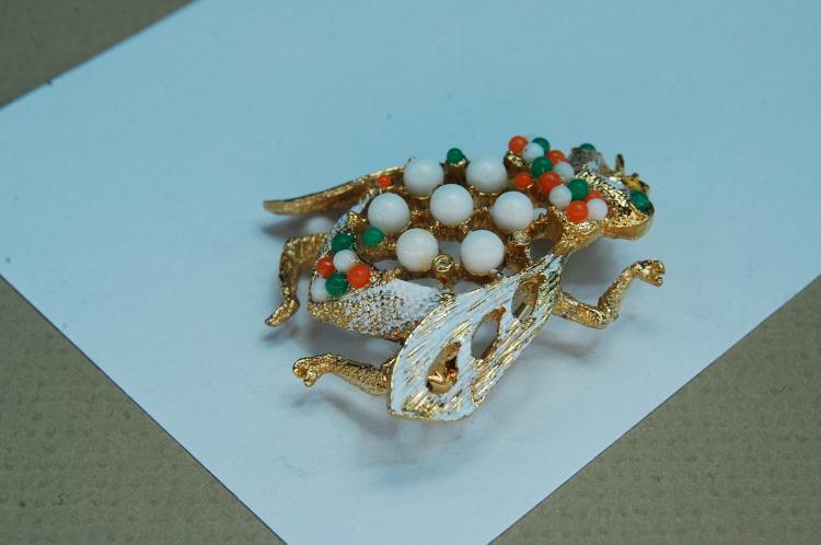 Lot 108: Vintage Costume Jewelry Cicada Bug Brooch