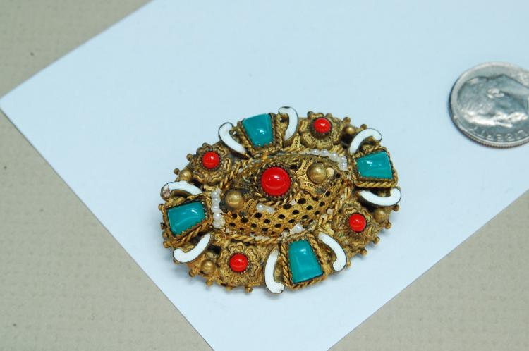 Lot 114: Vintage Brass Filigree Brooch