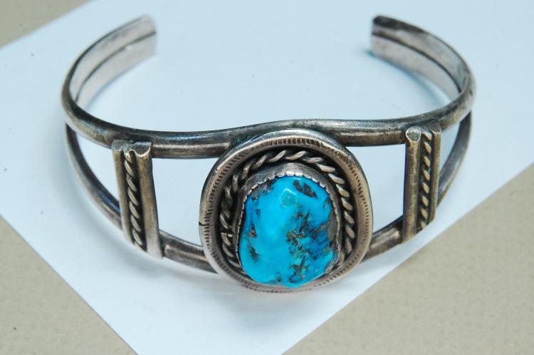 Lot 143: 29g Sterling Turquoise Navajo Pawn Cuff Bracelet