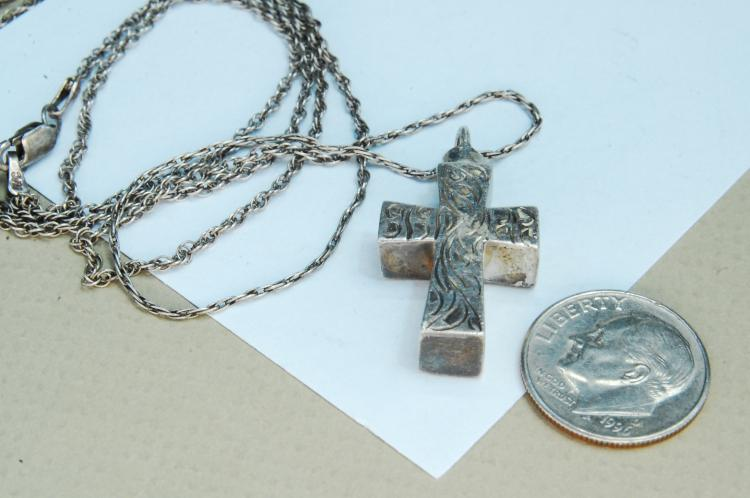 Vintage 9.5g Sterling Etched Bottle Cross Necklace