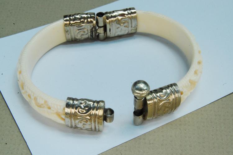 Lot 173: Vintage Carved Ivory Hinged Bracelet