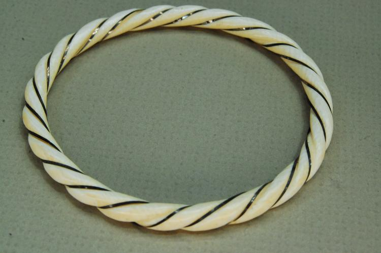 Vintage Carved Ivory & Gold Twisted Bangle Bracelet
