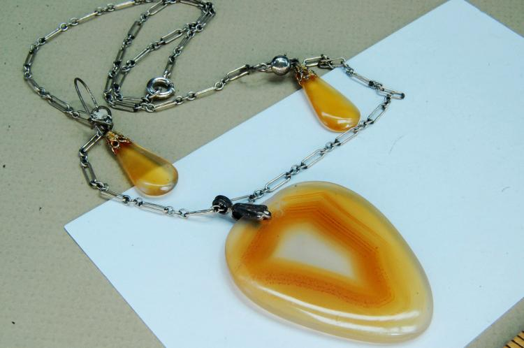 Montana Spotted Agate Necklace Earrings Set