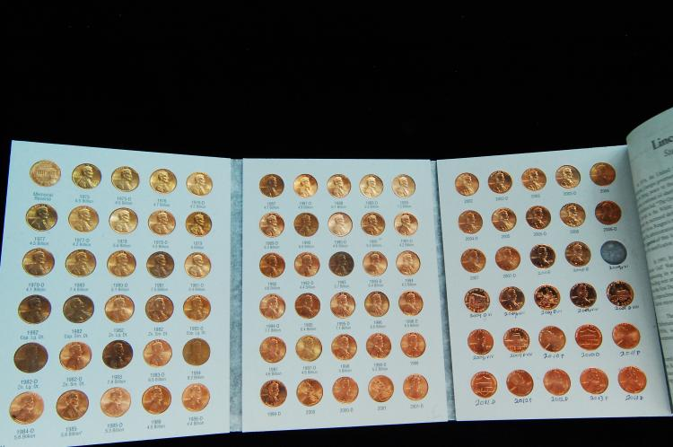 1975-13D Lincoln Cent US Coin Folder