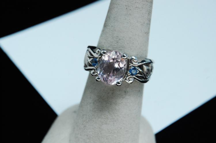 7.9g 14K White Gold Pale Amethyst Ring Size 7
