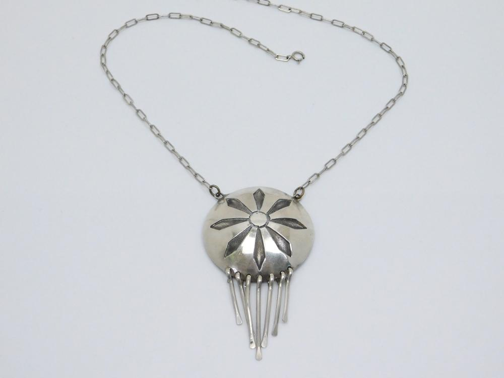 Vintage Native American Sterling Silver Concho Pendant Dangle Necklace 17G